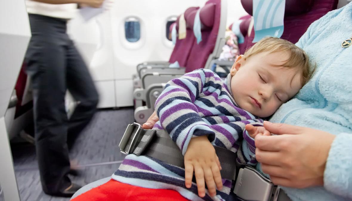 Criança no avião Viracopos